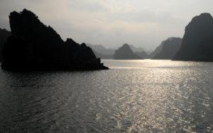 『ハ・ロン湾』(ベトナム社会主義共和国)