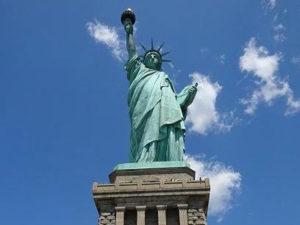 『自由の女神像』(アメリカ合衆国)