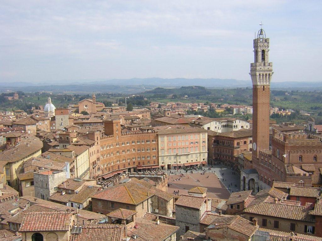 『シエナの歴史地区』(イタリア)