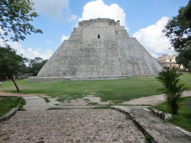 『ウシュマルの古代都市』(メキシコ合衆国)