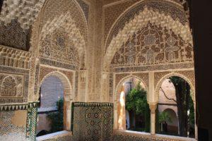 『グラナダのアルハンブラ宮殿、ヘネラリーフェ離宮、アルバイシン地区』(スペイン)