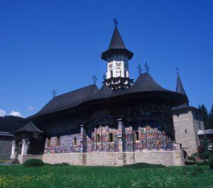 『モルドヴァ地方の教会群』(ルーマニア)