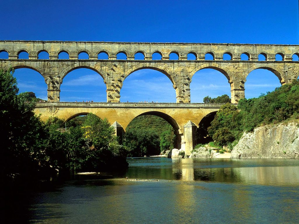 『ポン・デュ・ガール(ローマの水道橋)』(フランス共和国)
