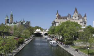 『リドー運河』(カナダ)