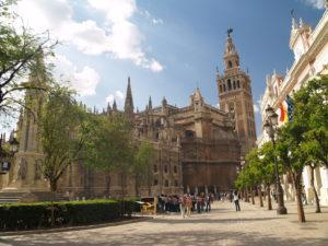 セビーリャの大聖堂、アルカサル、インディアス古文書館(スペイン)