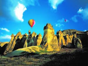 ギョレメ国立公園とカッパドキアの岩石群(トルコ共和国)