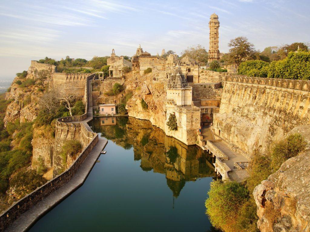 ラジャスタンの丘陵城塞群(インド)